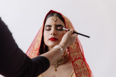 Makeup Artist For Wedding: Tips to Hire a Makeup Artist For Your Wedding